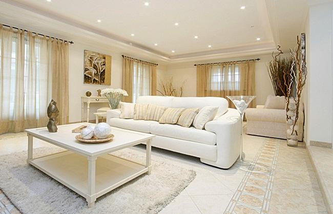 """Como ter um sofá branco sem """"paranoia""""?"""
